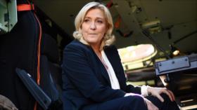 Ultraderechista Le Pen promete quitar energía renovable de Francia