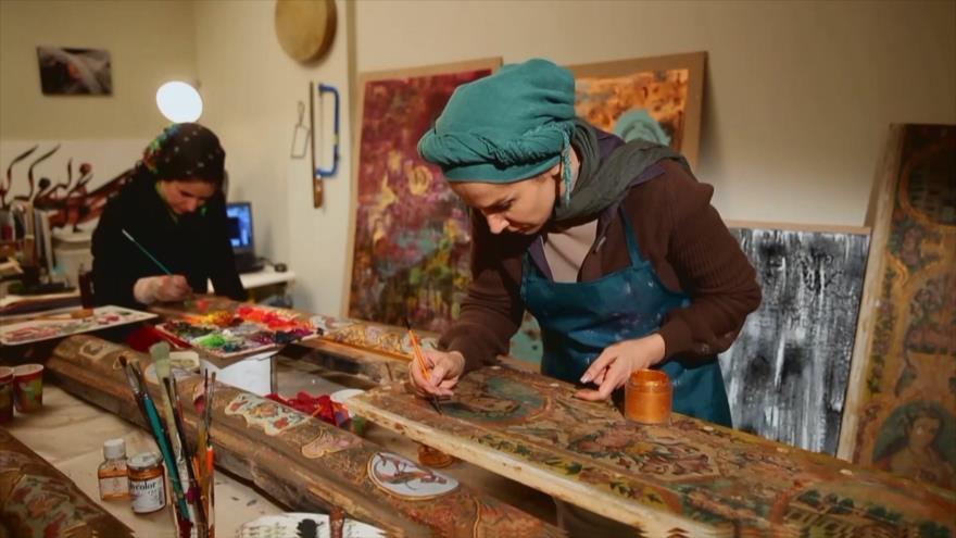 Irán: Provincia de Golestán II, Pinturas Decorativas