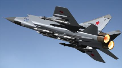MiG-31 ruso no da tregua a bombardero de EEUU en frontera de Rusia