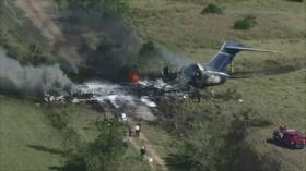 Se estrella avión MD87 con 21 pasajeros en Houston, Texas