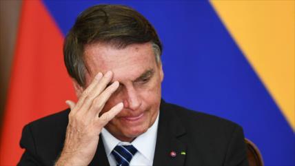 Acusan a Bolsonaro de agravar la COVID-19 por su mal manejo