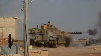 Vídeo: Caza ruso fulmina un tanque turco M60 en Idlib, Siria
