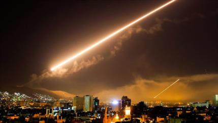 Israel vuelve a atacar Siria; Damasco promete responder