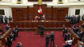 Suspenden investidura de Gobierno de Perú por muerte de congresista
