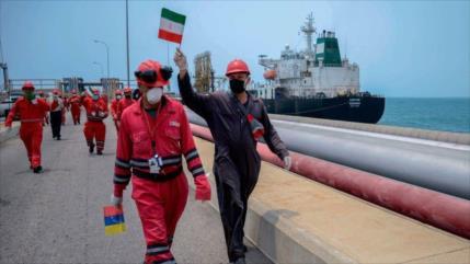 Informe: Otro petrolero iraní descarga condensado en Venezuela