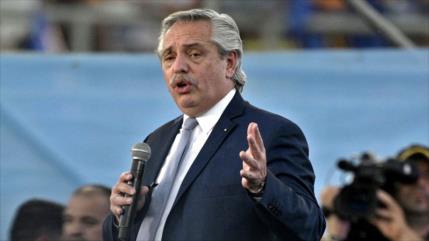 Presidente de Argentina encara al FMI: No nos vamos a arrodillar