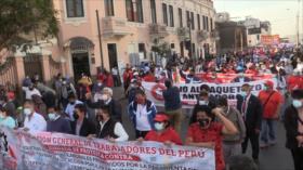 Trabajadores peruanos rechazan el paquete laboral del Congreso